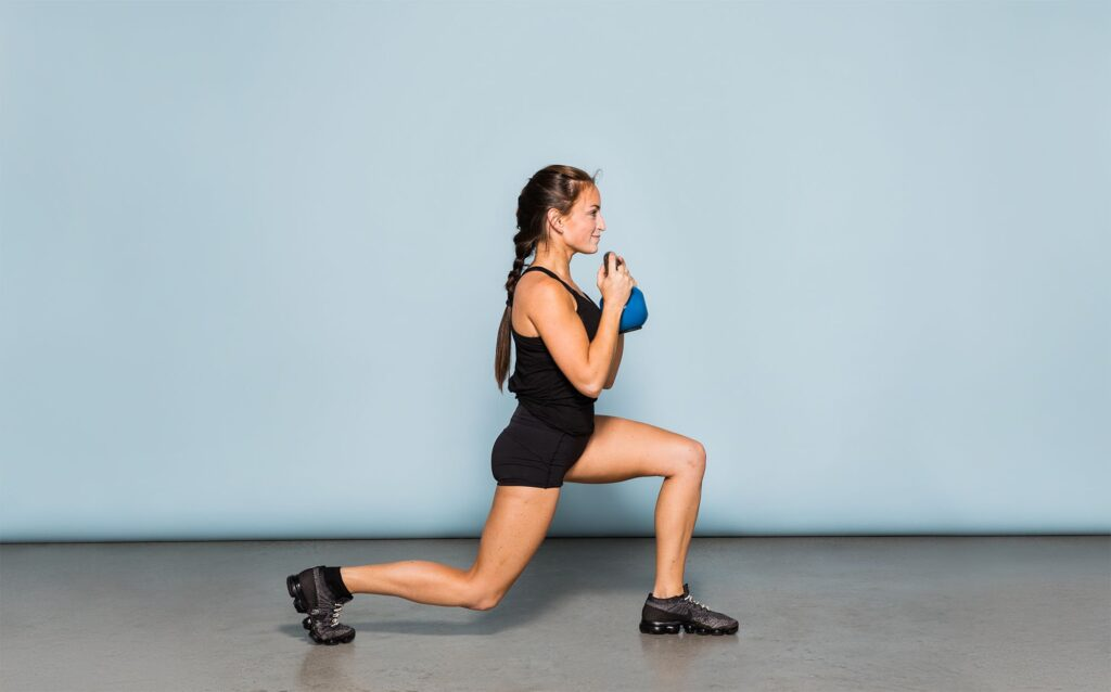 Reverse lunges exercise